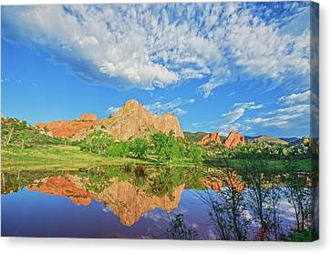 Impossible Not To Fall In Love With Colorado. Here's Why.  Canvas Print by Bijan Pirnia