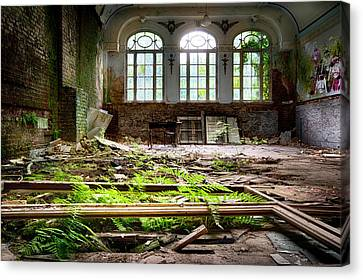 In The End Nature Always Wins - Urbex Abandoned Hotel Canvas Print