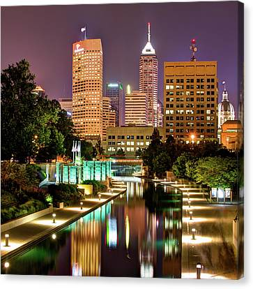 Indianapolis Indiana Skyline And Canal Walk At Night Canvas Print