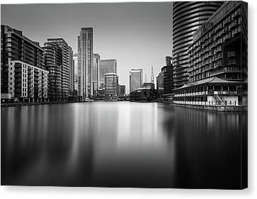 Inside Canary Wharf Canvas Print by Ivo Kerssemakers
