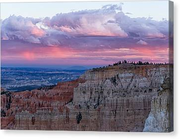 Canvas Print featuring the photograph Inspiration Point Sunset by Patricia Davidson