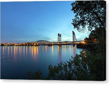 Interstate Bridge Over Columbia River At Dusk Canvas Print by David Gn