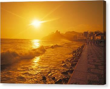 Ipanema Beach In Rio De Janeiro Brazil Canvas Print by Utah Images