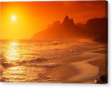 Ipanema Beach Rio De Janeiro Brazil Canvas Print by Utah Images