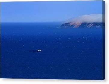 Island Getaway Canvas Print by Dan Sproul