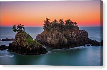 Canvas Print featuring the photograph Islands In The Sea by Darren White