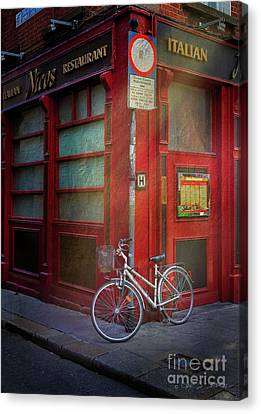 Canvas Print featuring the photograph Italian Restaurant Bicycle by Craig J Satterlee