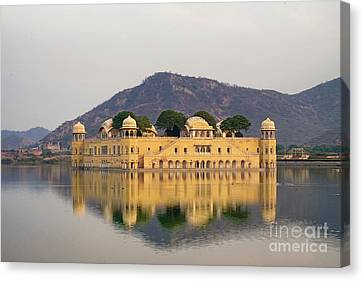 Canvas Print featuring the photograph Jal Mahal  by Yew Kwang