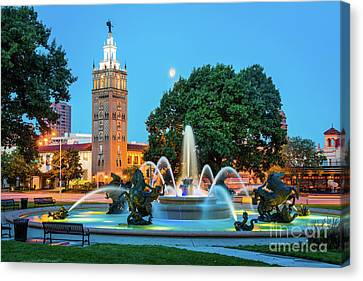 J.c. Nichols Memorial Fountain Canvas Print by Inge Johnsson