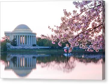 Jefferson At Sunrise Canvas Print by Don Lovett