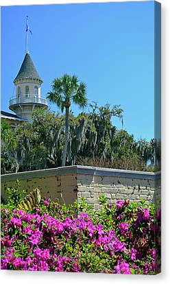 Canvas Print featuring the photograph Jekyll Island Club Hotel And Azaleas by Bruce Gourley