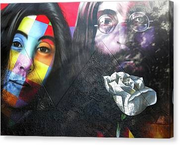 Canvas Print featuring the photograph Yoko And John  by Juergen Weiss