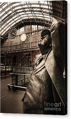 John Betjeman And Dent Clockat St Pancras Railway Station Canvas Print
