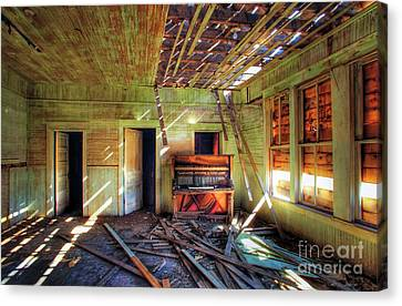 Canvas Print featuring the photograph Judith Gap Piano by Craig J Satterlee