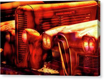 Junk Yard Cars Canvas Print by Garry Gay