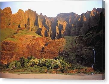 Kalalau Mountains Canvas Print by Himani - Printscapes