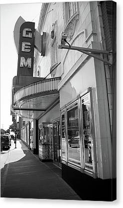 Canvas Print featuring the photograph Kansas City - Gem Theater 2 Bw  by Frank Romeo