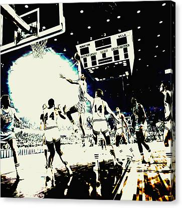Julius Erving Canvas Print - Kareem Skyhook by Brian Reaves