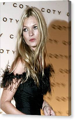 Kate Moss  At The Coty 100th Canvas Print by Everett
