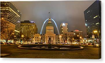 Kiener Plaza And The Gateway Arch Canvas Print by Matthew Chapman
