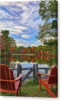 Canvas Print featuring the photograph Kingsbury Pond In Medfield Massachusetts by Juergen Roth