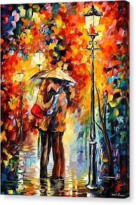 Kiss Under The Rain Canvas Print by Leonid Afremov