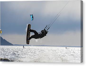 Kite Boarders On Turnagain Arm Canvas Print by Daryl Pederson