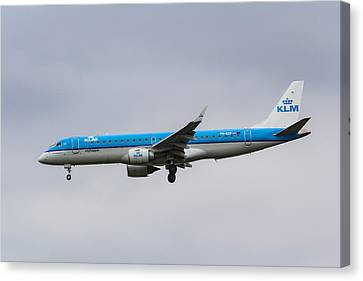 Klm Canvas Print - Klm Embraer 190 by David Pyatt