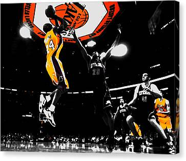 Kobe Bryant Count It Canvas Print by Brian Reaves