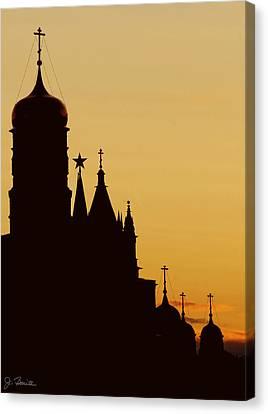 Kremlin Dusk Canvas Print by Joe Bonita