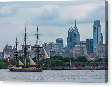 L Hermione Philadelphia Skyline Canvas Print by Terry DeLuco