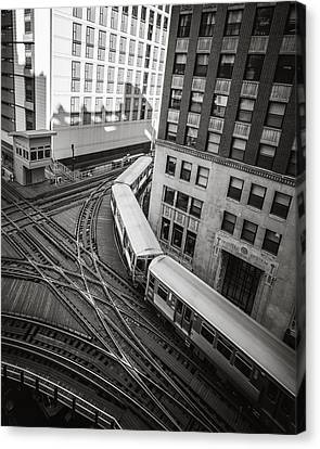 L Train In Chicago Canvas Print by James Udall