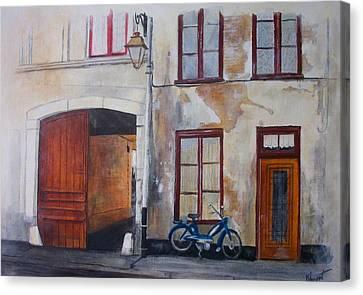 La Vieille Maison Canvas Print by Victoria Heryet