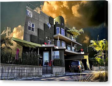 Lagoon House Canvas Print by Bob Winberry
