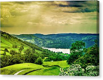 Canvas Print featuring the photograph Lake District 6 by Wallaroo Images