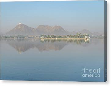 Lake Fateh Sagar 01 Canvas Print