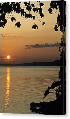 Lake Lago And Sunset Canvas Print by Don Kreuter