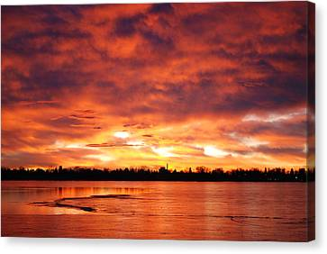 Lake Loveland Sunrise Canvas Print by Billie Colson