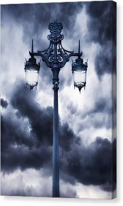 Lamp Post Canvas Print by Joana Kruse