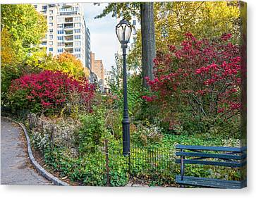 Lamppost And Bench Canvas Print by Andrew Kazmierski