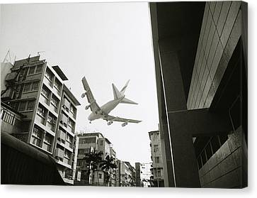 Landing In Hong Kong Canvas Print