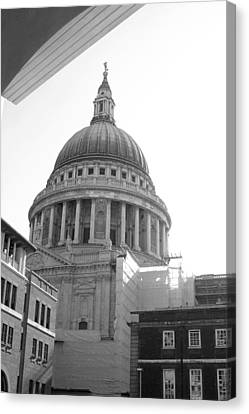 Canvas Print featuring the photograph Landing On St Pauls by Jez C Self