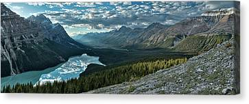 Last Rays Of Light Over Peyto Lake Canvas Print