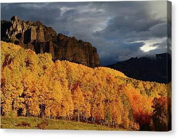 Canvas Print featuring the photograph Late Afternoon Light On The Cliffs Near Silver Jack Reservoir In Autumn by Jetson Nguyen