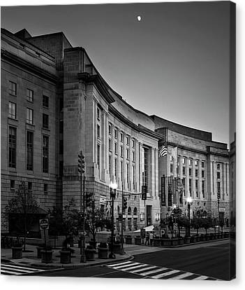 Canvas Print featuring the photograph Late Evening At The Ronald Reagan Building In Black And White by Greg Mimbs