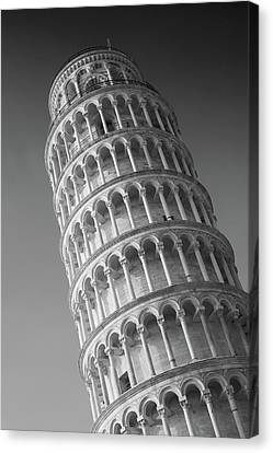 Leaning Tower Of Pisa Canvas Print by Richard Goodrich