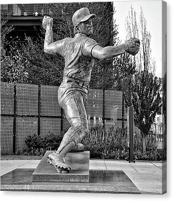 Lefty - Phillie Steve Carlton In Black And White Canvas Print by Bill Cannon