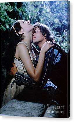 Shakespeare Canvas Print - Leonard Whiting And Olivia Hussey In Romeo And Juliet by The Titanic Project