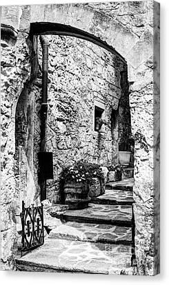Les Baux De Provence 14 Bw Canvas Print by Mel Steinhauer