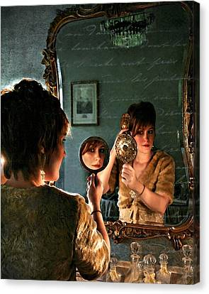 Les Reflexions De Femme Canvas Print